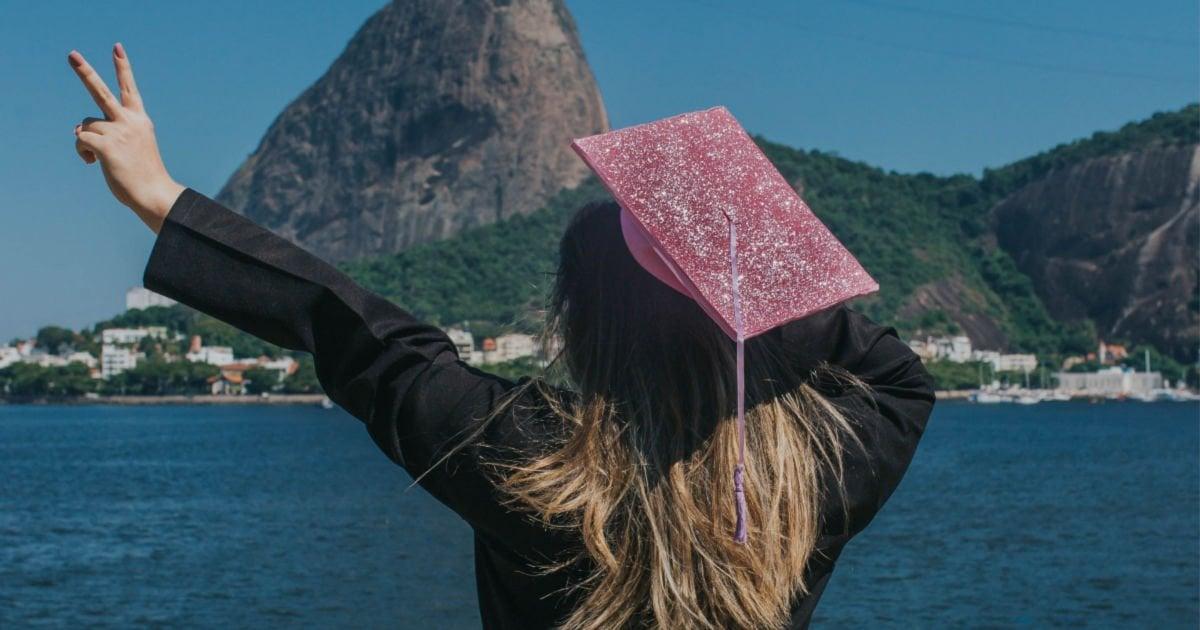 Graduation Cap Decoration Ideas -girl peace sign