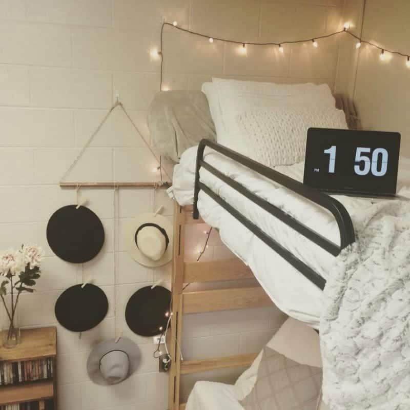 Minimalist Dorm Room Ideas