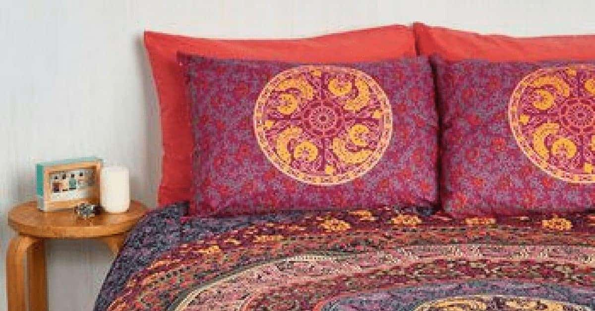 20 Boho Dorm Ideas to Inspire the College Hipster Bedroom of Your Dreams 1