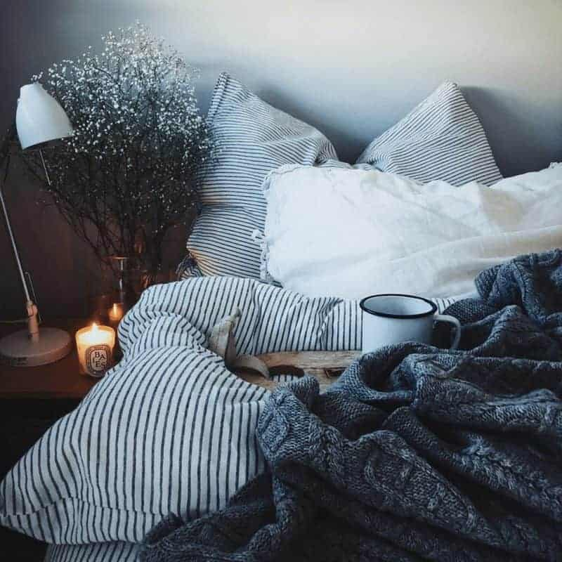 20 Cozy Dorm Room Ideas to Snuggle Up To 16