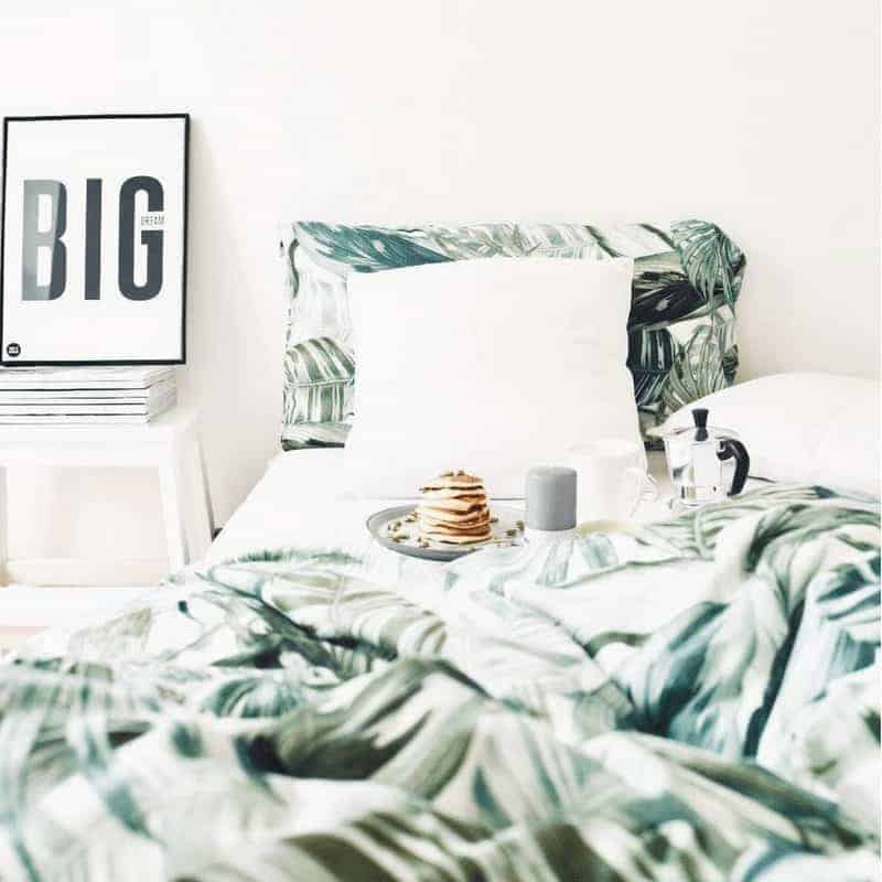 20 Cozy Dorm Room Ideas to Snuggle Up To 8