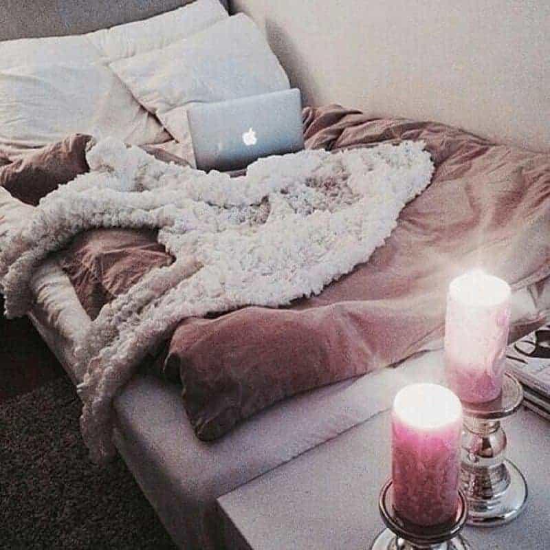 cozy dorm room