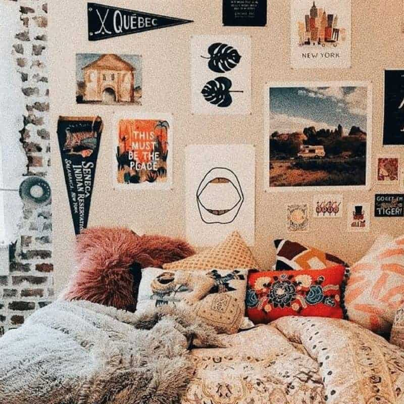20 Cozy Dorm Room Ideas to Snuggle Up To 3