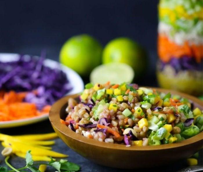 easy college recipes - thai salad jar
