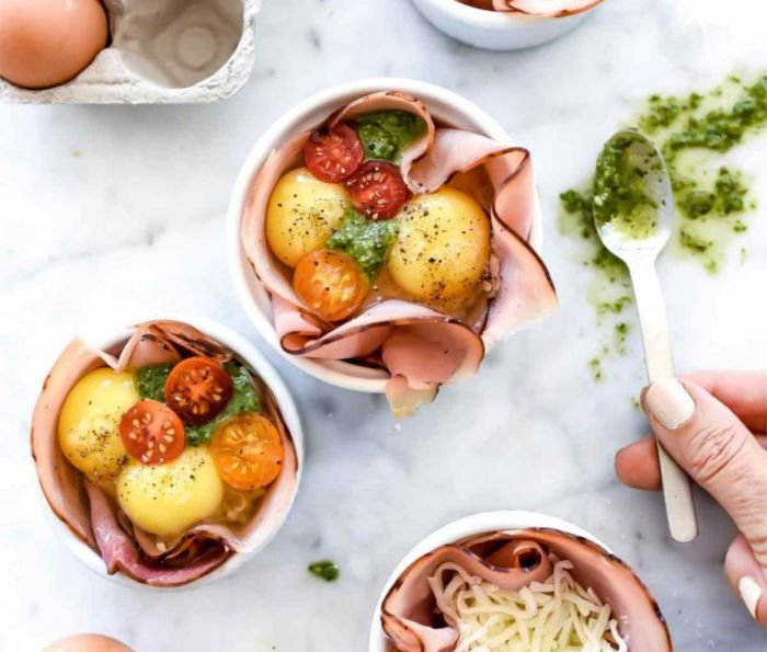 healthy recipes for college students - microwave caprese cups