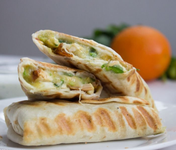 lunch food for college students - chicken burritos