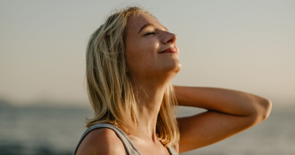 how to handle stress - woman breathing