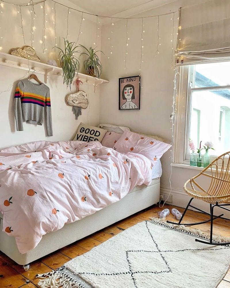 cute dorm rooms idea using orange print bedding