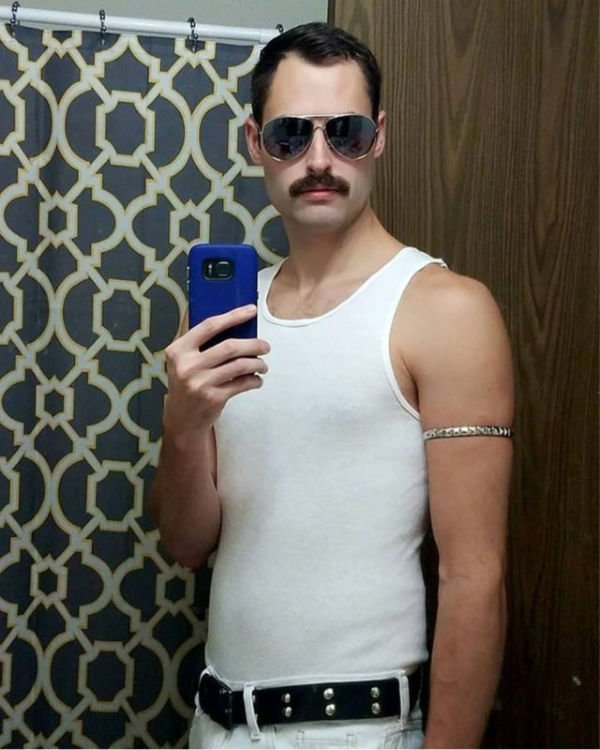 40 Game,Changing College Halloween Costumes for Guys