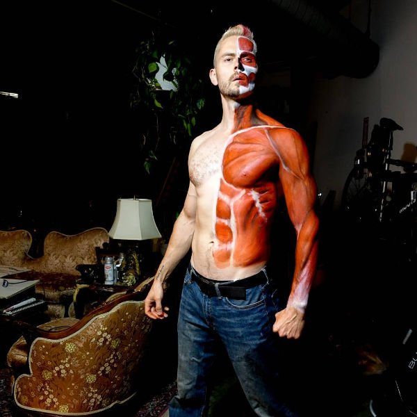 bodypaint on guy to make it look like has has no skin on one half