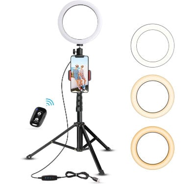 a selfie ring light is one of the best gifts for college students at Christmas