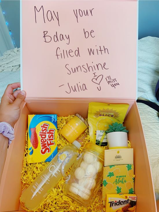 adorable vsco birthday gift in the form of little yellow gifts in a box