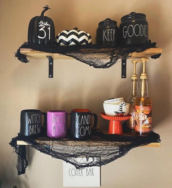 dorm room halloween decorations